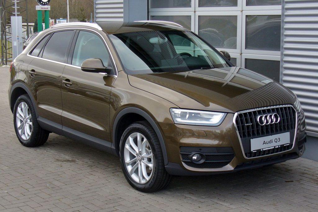 1200px-Audi_Q3_2.0_TDI_quattro_S_tronic_Karibubraun