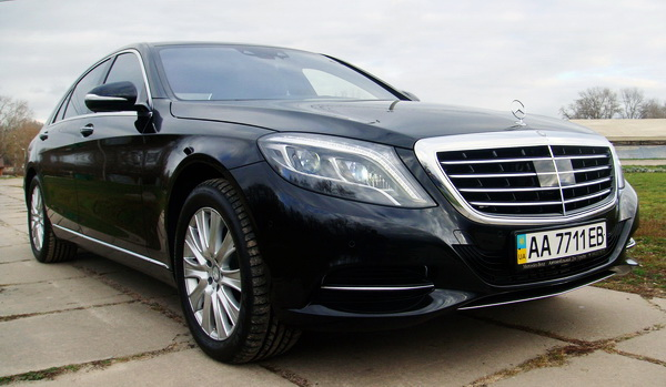 Mercedes-W222-S500-прокат-аренда-киев-цена-заказать-на-прокат-мерседес-222-кузов-новый-арендовать-мерседес-222-на-свадьбу-киев-01